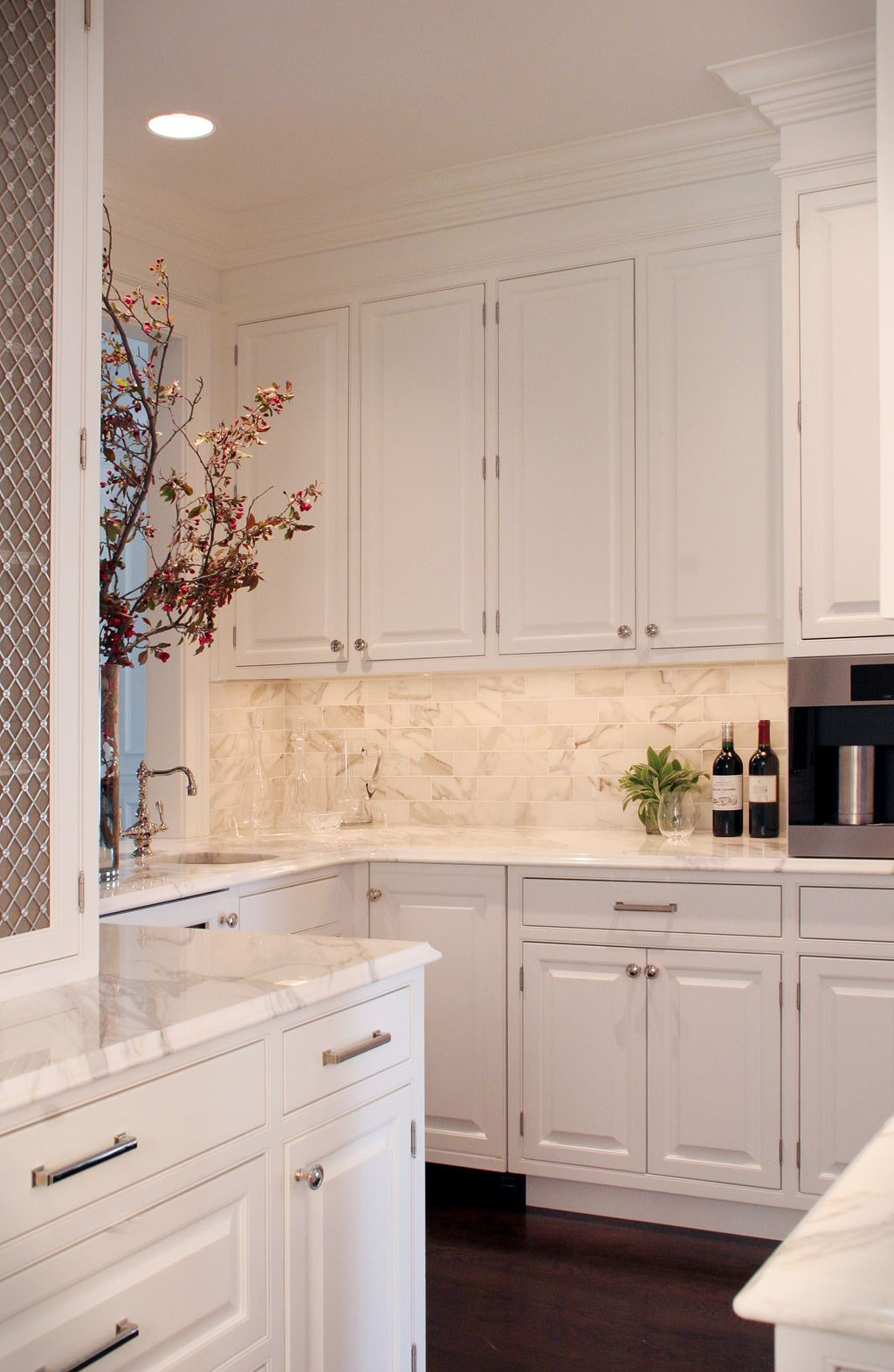 The classic white kitchen deconstructed sub zero wolf for White classic kitchen cabinets