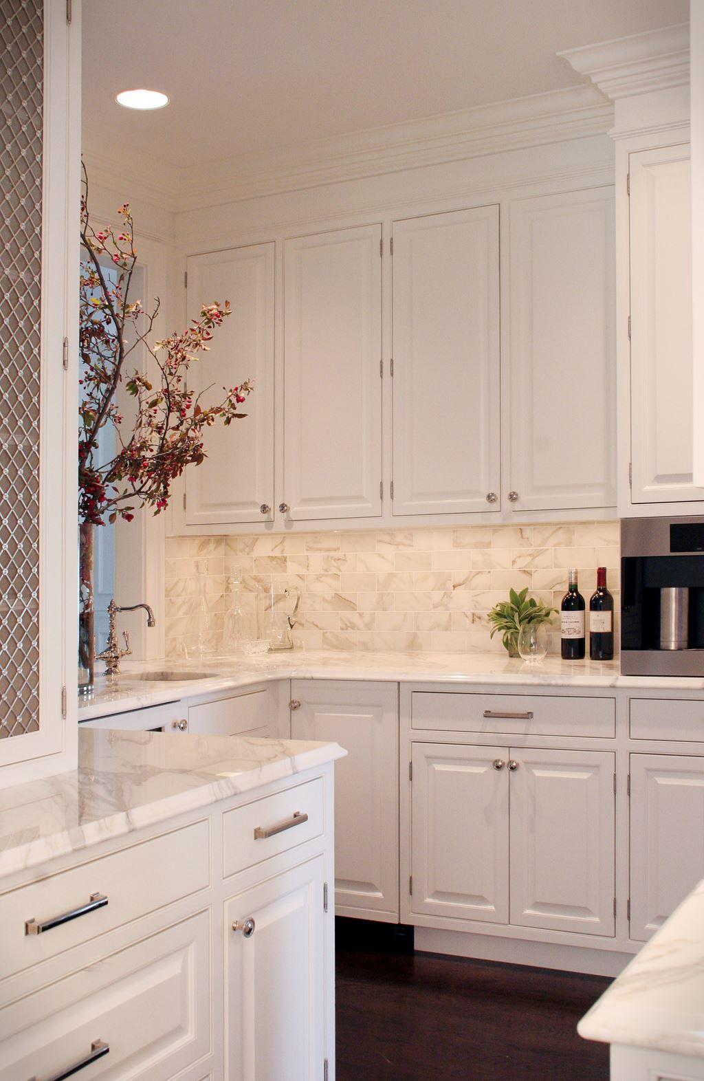 The Classic White Kitchen Deconstructed | Sub-Zero, Wolf ...