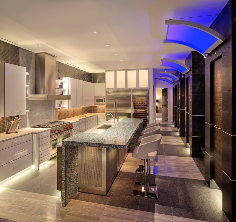Penthouse Kitchen Sub Zero Wolf And Cove Kitchens
