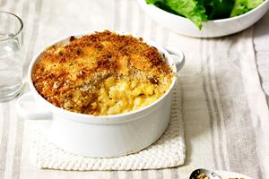 Macaroni and Cheese with Bread Crumbs