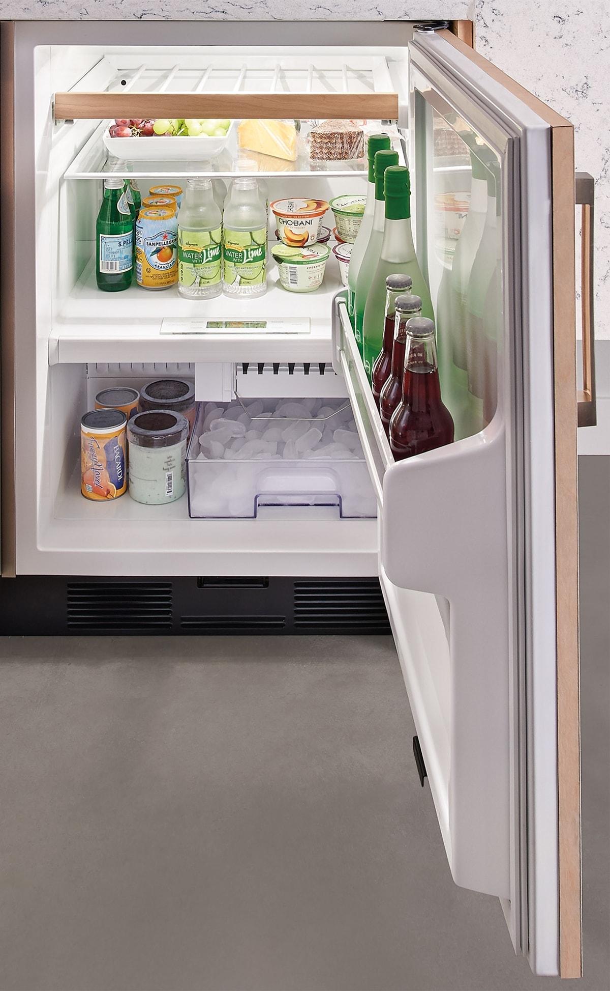 Sub Zero 24 Undercounter Refrigerator Freezer With Ice Maker