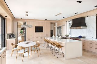Tropical Contemporary Family Kitchen