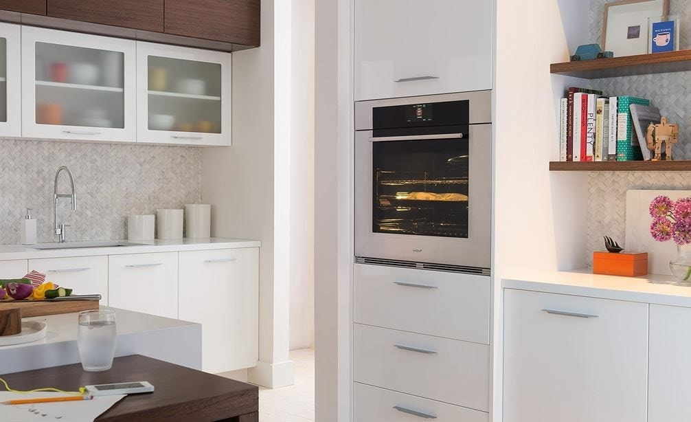 "The Wolf 30"" M Series Transitional Single Oven (SO30TM/S/TH) can fit perfectly with surrounding cabinetry to complement any room."