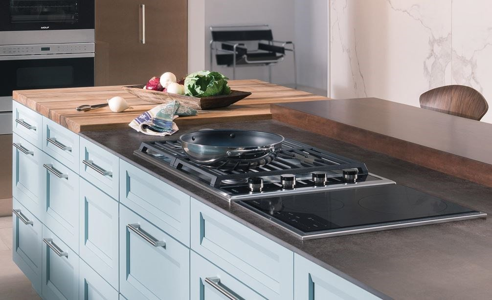 Wolf 30 Transitional Gas Cooktop 4 Burners Cg304t S Paired With