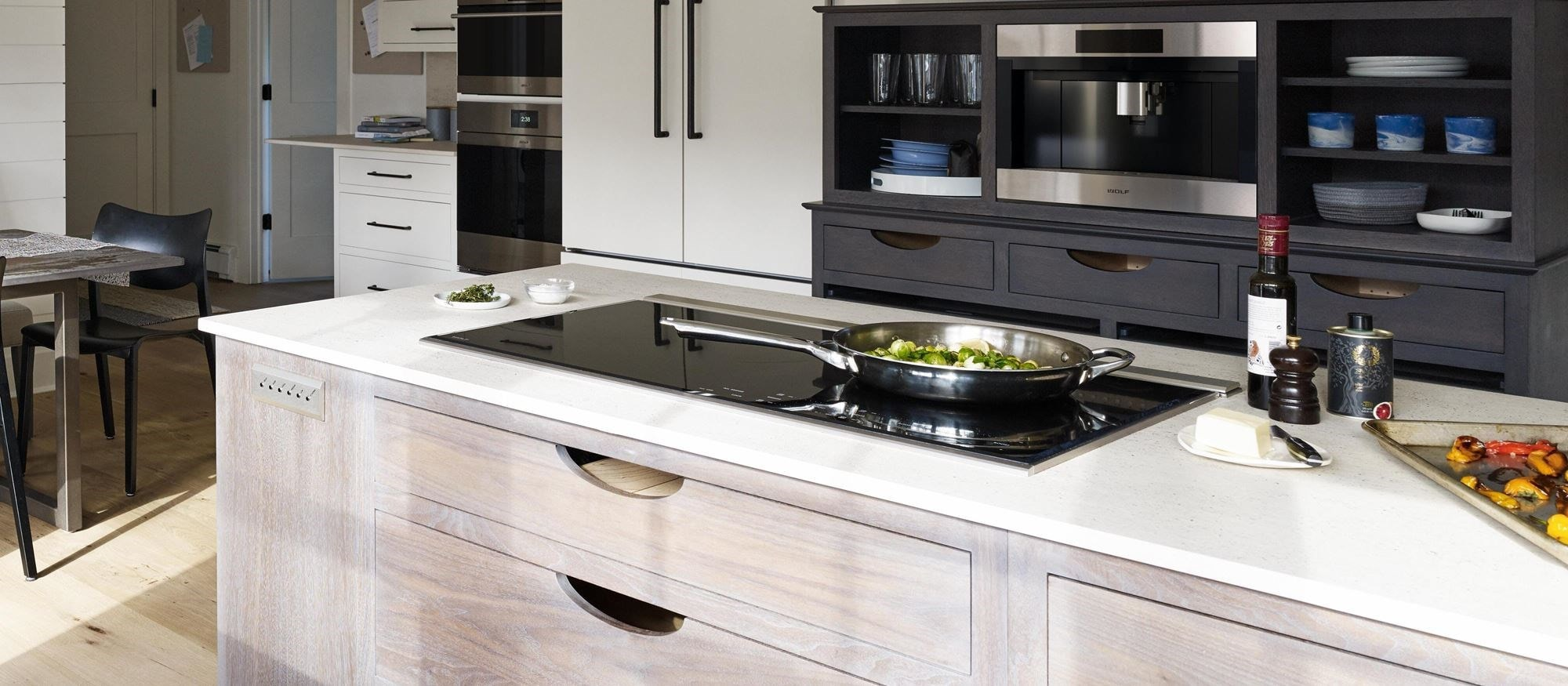 "Wolf 36"" Transitional Induction Cooktop (CI365T/S)"