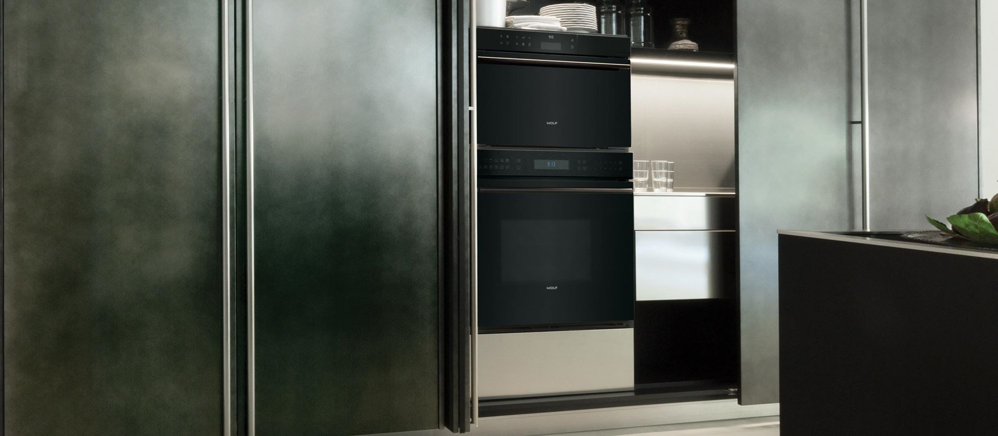 "Wolf 30"" E Series Contemporary Classic Single Oven (SO30CE/B/TH)"