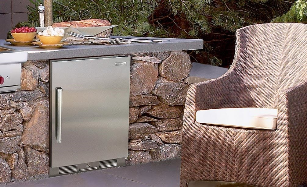 "The Sub-Zero 24"" Outdoor Undercounter Refrigerator (UC-24RO) shows you can add refrigeration to any outdoor cooking set-up with ease."