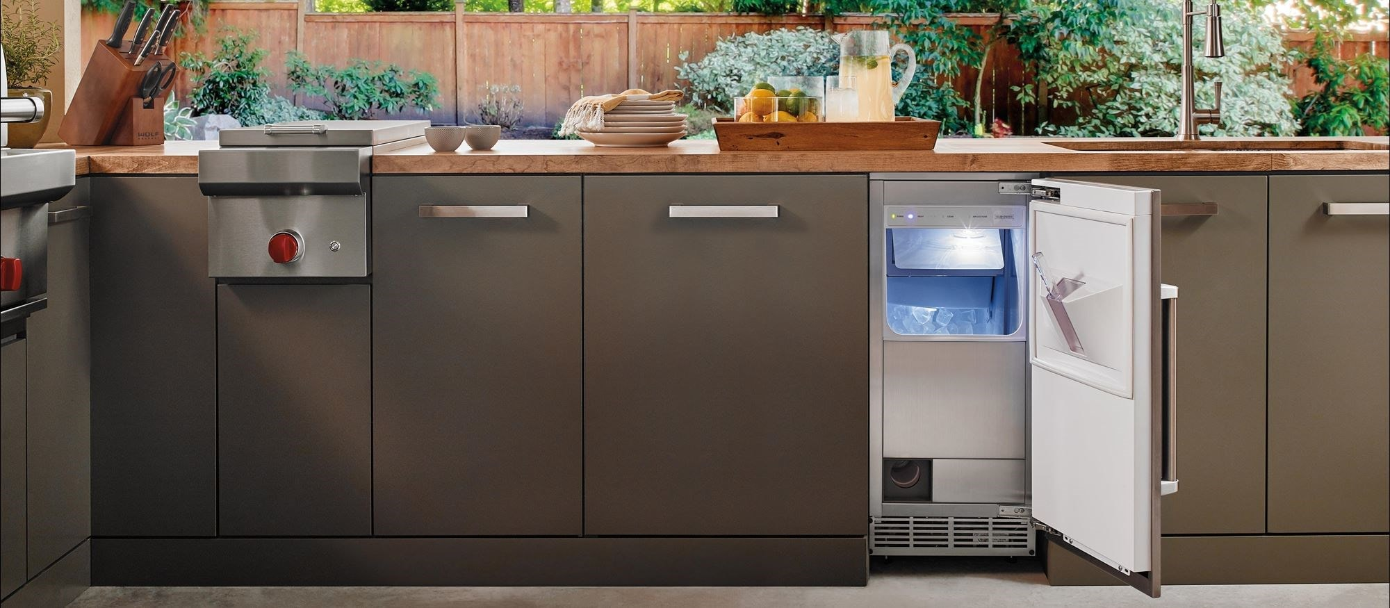 "Sub-Zero 15"" Outdoor Ice Maker with Pump Panel Ready (UC-15IPO)"