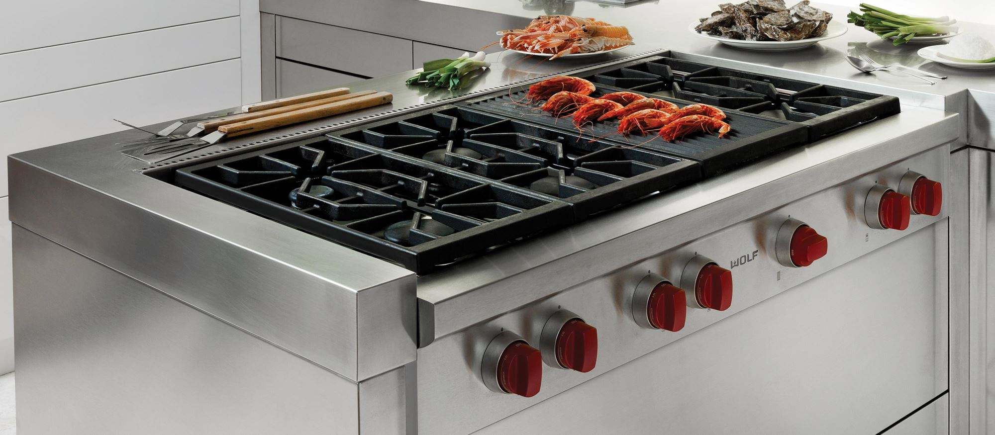 "Wolf 48"" Sealed Burner Rangetop - 6 Burners and Infrared Charbroiler (SRT486C)"