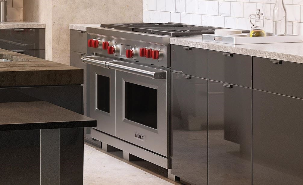 "Wolf 48"" Dual Fuel Range 4 Burner Infrared Charbroiler Griddle (DF484CG) with Sub-Zero 48"" Professional Side by Side Glassdoor Refrigerator (648PROG)"