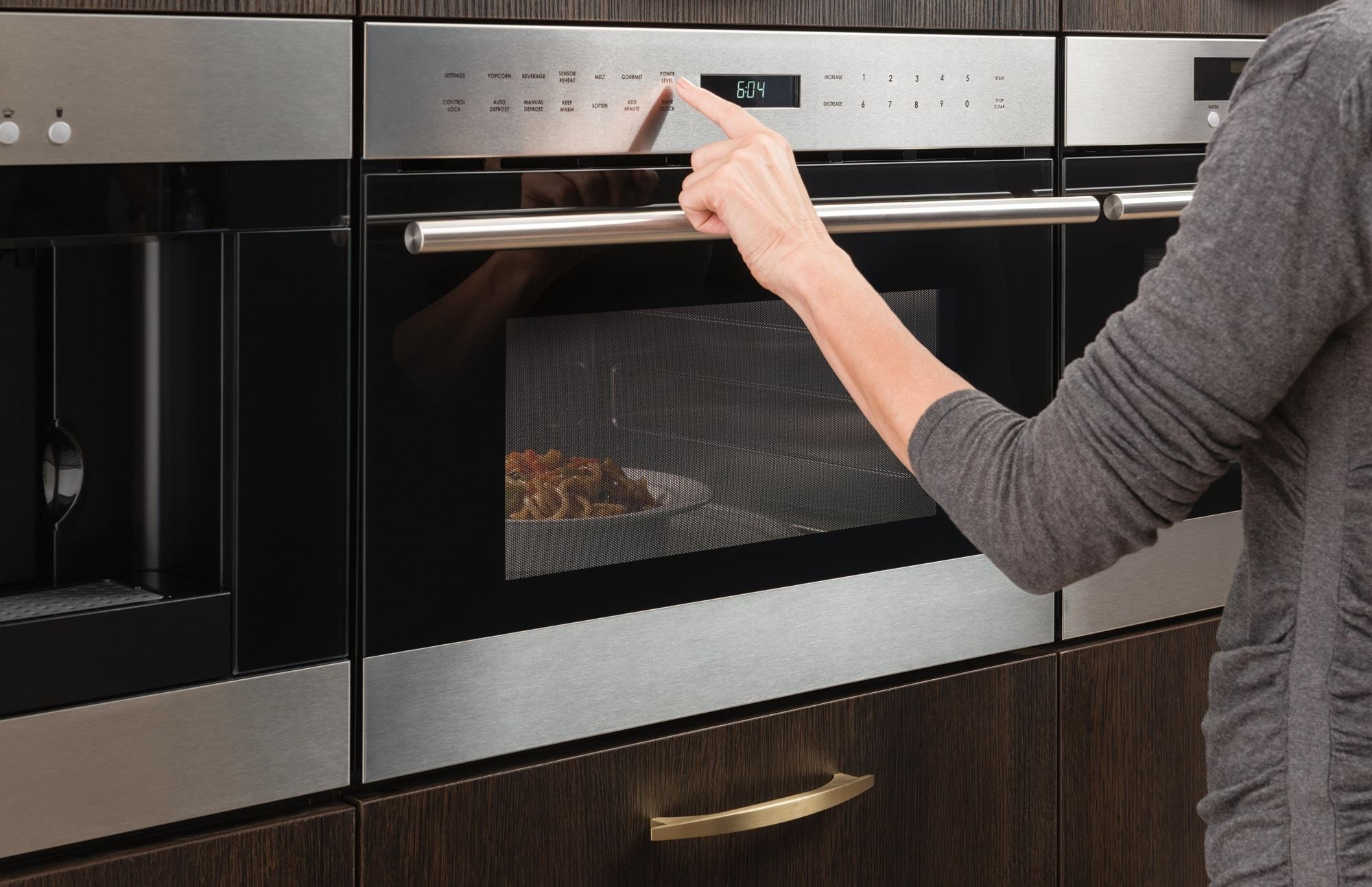 Wolf Built-In Microwaves available in drawer, drop-down door and side-swing microwave models blending beautifully into your kitchen design