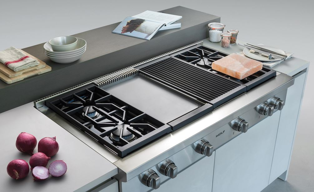 "The Wolf 48"" Sealed 4 Burner Rangetop Infrared Charbroiler and Griddle (SRT484CG) has the ability to expertly fit any cooking space"