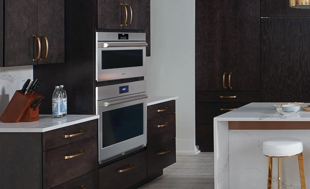 "The Wolf 30"" E Series Professional Classic Single Oven (SO30PE/S/PH) paired with Wolf 36"" Pro Wall Hood - 24"" Depth (PW362418)"