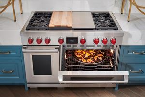 "Wolf 48"" dual fuel range with 4 burners, infrared charbroiler and infrared griddle"