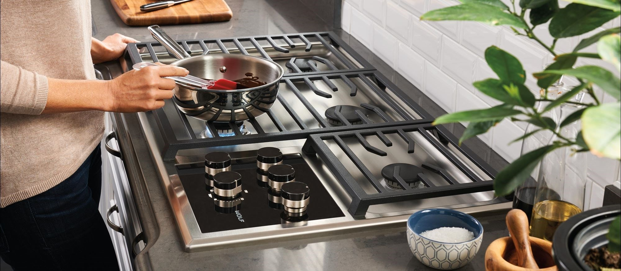 "Wolf 36"" Transitional Gas Cooktop - 5 Burners (CG365T/S)"
