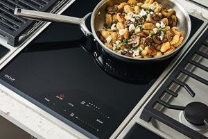 Wolf 15 Transitional Induction Cooktop Module Ci152tfs Paired With A