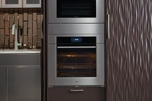 The Gourmet mode of the Wolf M series oven makes preparing meals easy - just tell it what you're making & how you'd like it done for chef-tested results.