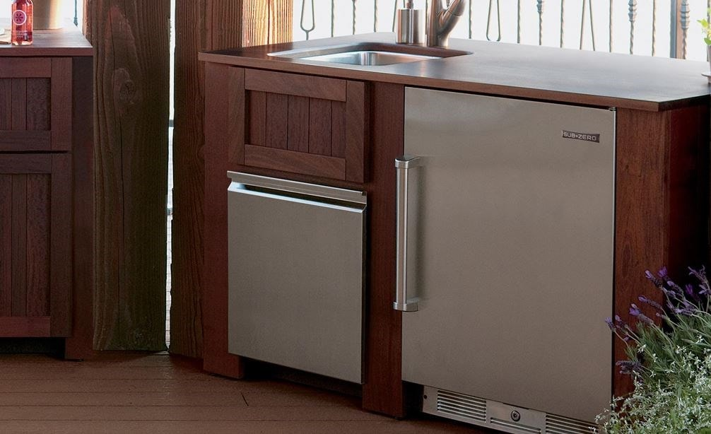 "The Sub-Zero 15"" Outdoor Ice Maker with Pump Panel Ready (UC- 15IPO) paired with 24"" Outdoor Undercounter Refrigerator (UC-24RO)"